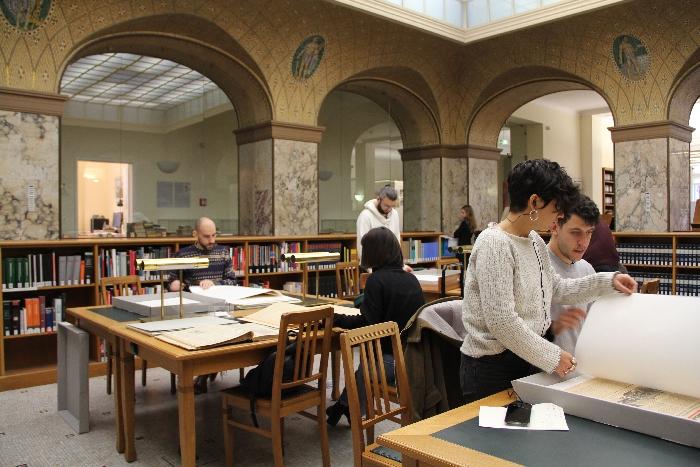 PHYSIS Fachkräftetreffen 2019; Arbeitsgruppe im Deutschen Historischen Museum Lesesaal der Bibliothek (Archiv VgK e.V.)