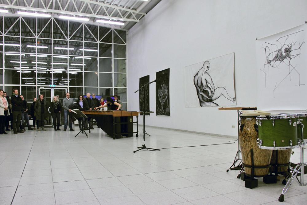 Ausstellungseröffnung PHYSIS; Sakiko Idei - Solo-Schlagzeug und Marimba