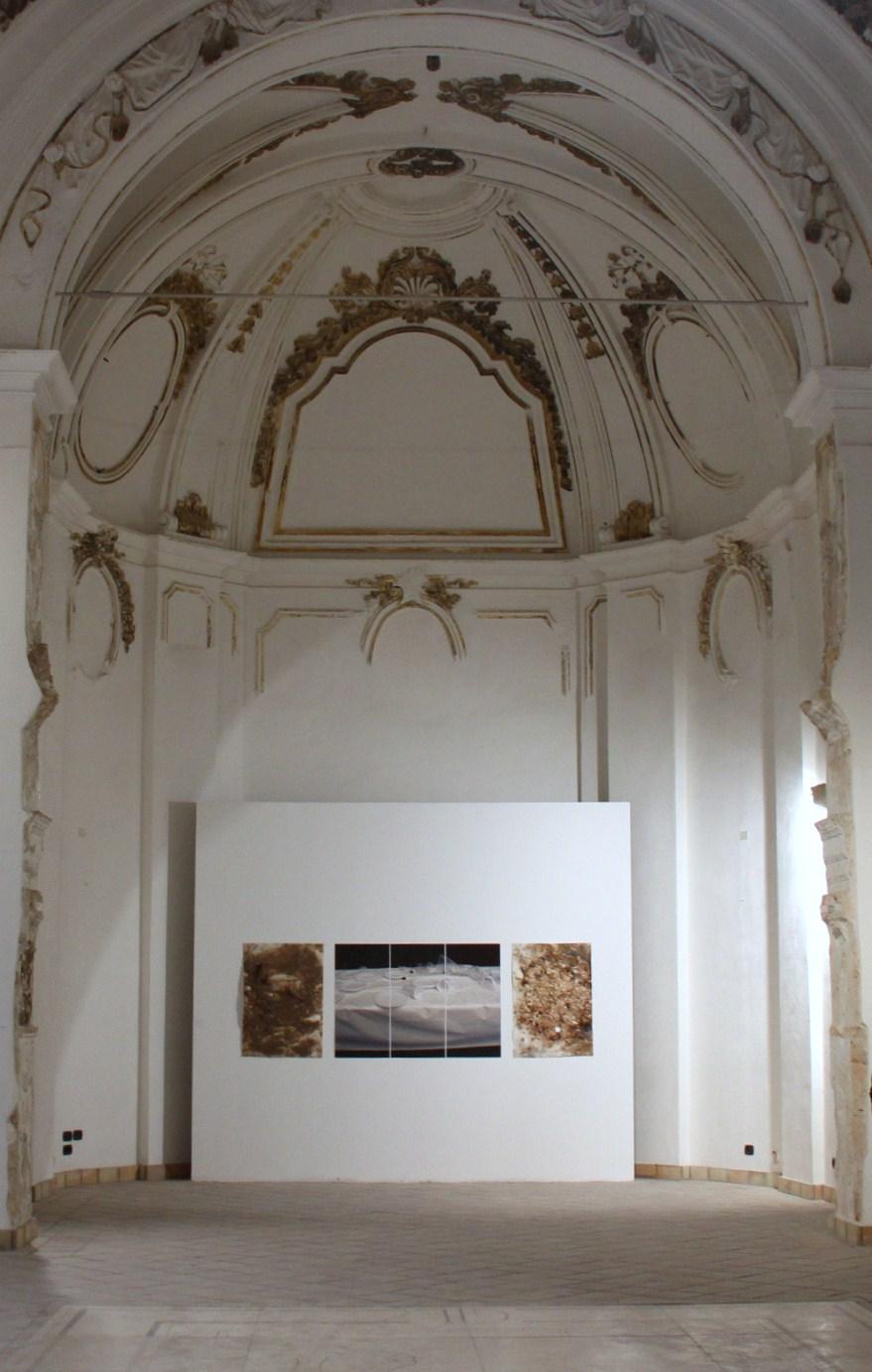 Amelie Conrad ohne Titel Ausstellung PHYSIS Ex Conveto del Ritiro Syrakus